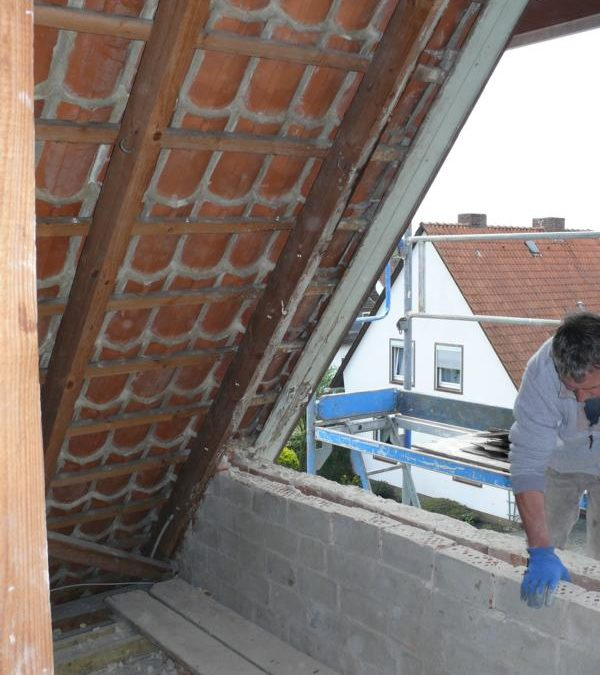 Anpassen der Giebelöffnung für neues Fenster