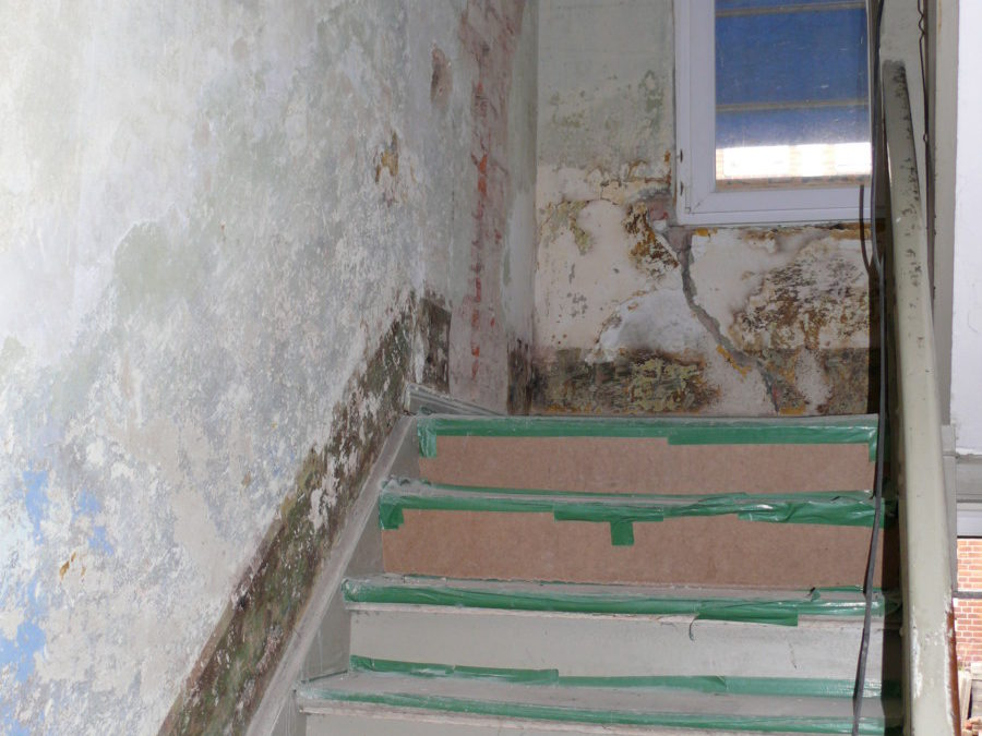 Auch im Treppenhaus wird grundsaniert.