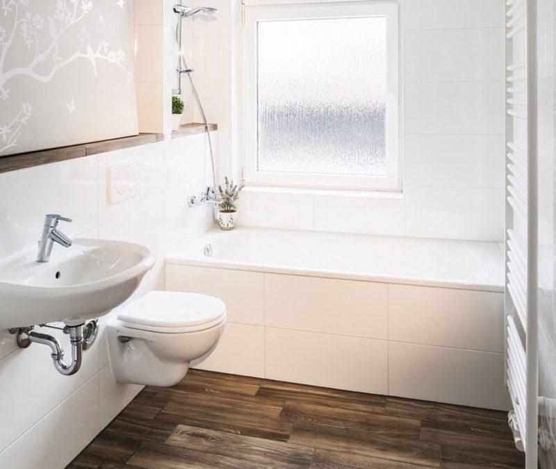 Das sanierte Bad der einen Erdgeschosswohnung