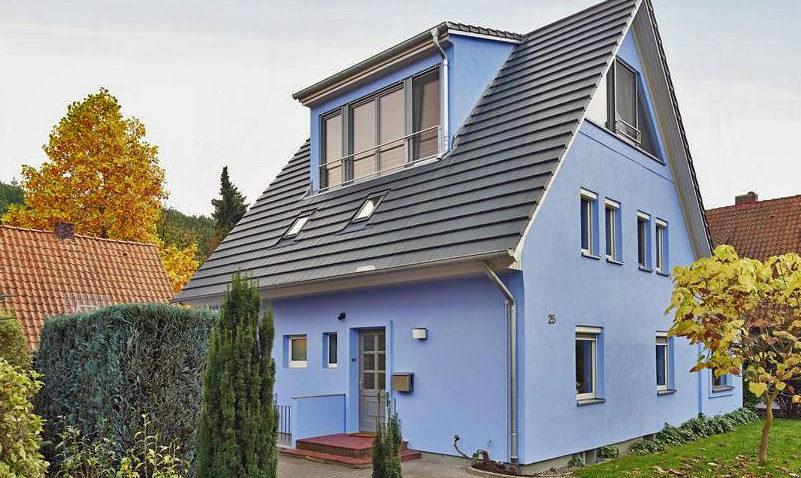 Das blaue Haus nach der Sanierung
